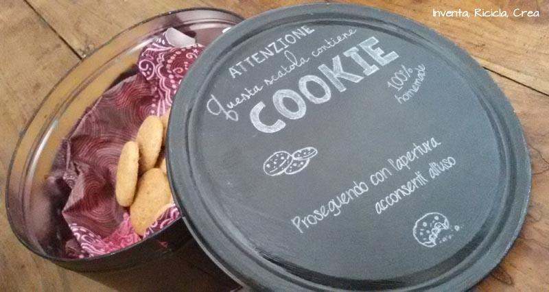 Riciclando scatole per biscotti ikea inventa ricicla crea - Scatole per trasloco ikea ...